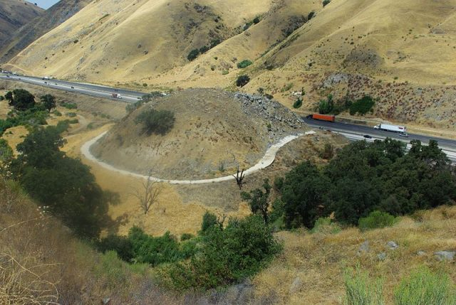 "A portion of the Old Ridge Route in Lebec, that was bypassed when U.S. Highway 99 was made. It is known locally as ""Dead Man's Curve."" Creative Commons Attribution-Share Alike 3.0"