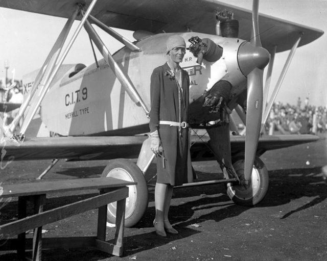 1475404032-2129-a-Earhart-circa-1928-640x512