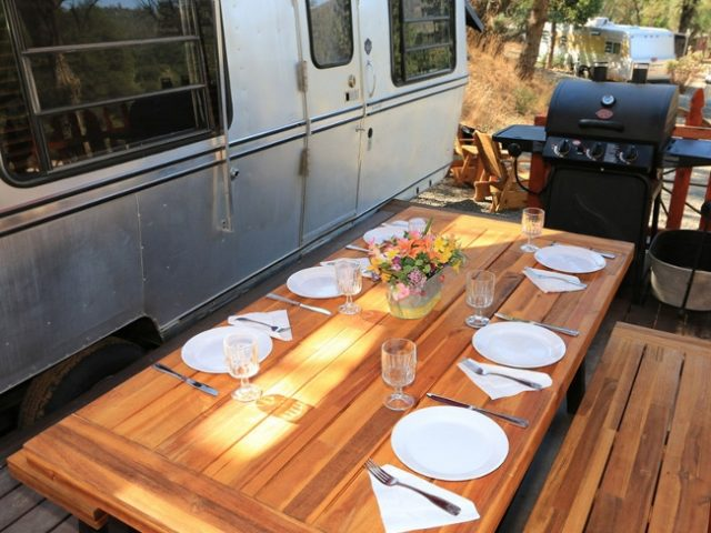 The classic and retro trailers offer a fun camping experience for individual campers or groups who want to enjoy a throwback lifestyle but expect comfortable amenities. Photo credit