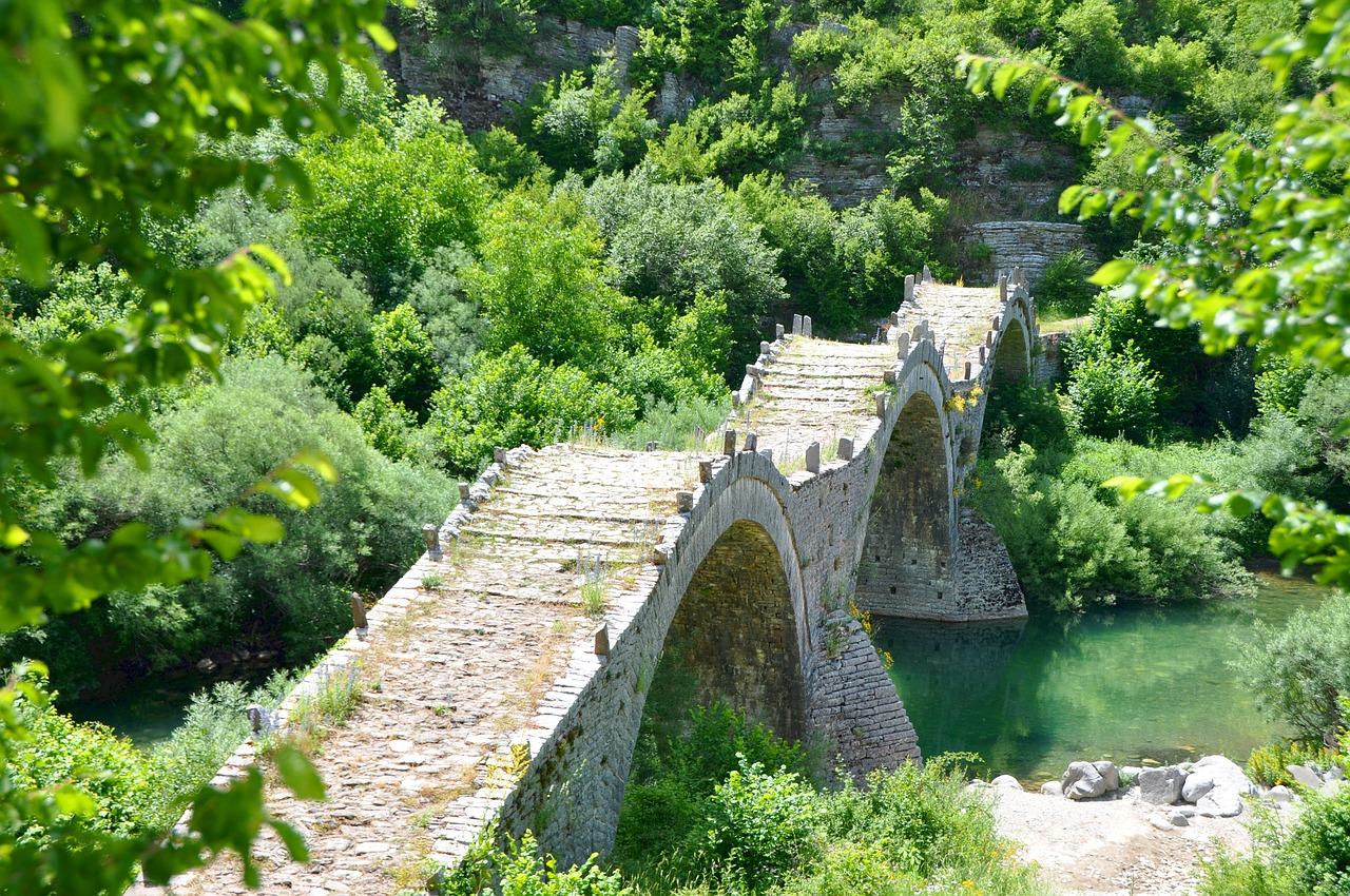 greece-bridge-1540510_1280