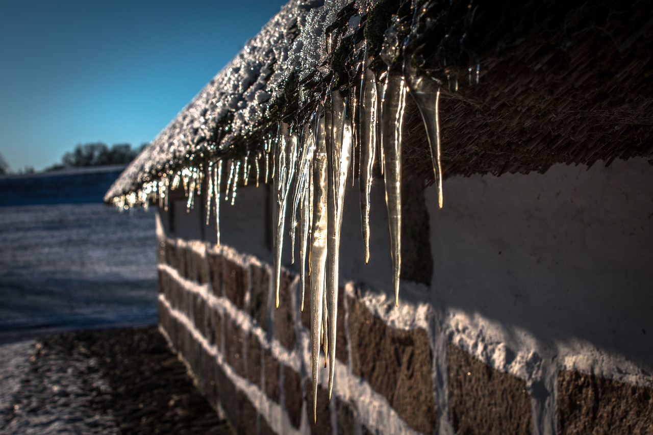 icicles-1709326_1280