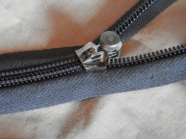 p9100051fixnzip-medium-zip-repair-on-coil-zip