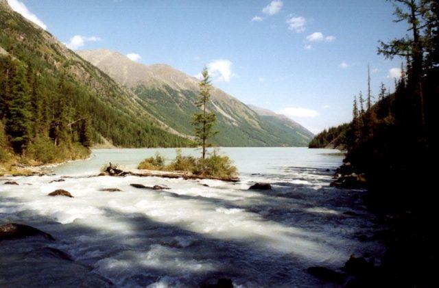 Altai, Lake Kutsherla in the Altai Mountains. Photo Credit