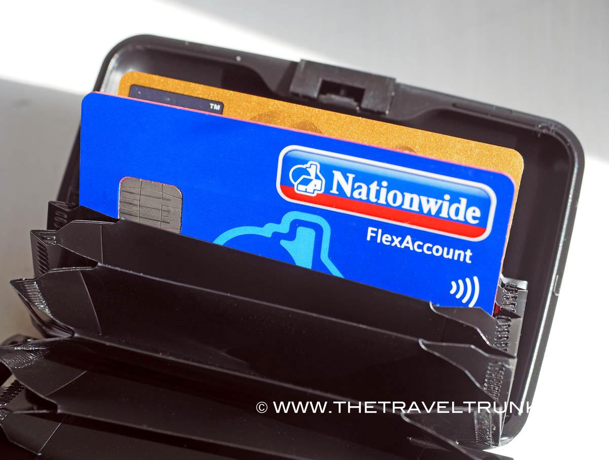 This metal wallet can help stop electronic card theft!