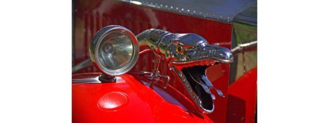 The snake's head bulb horn. Source: Bonhams