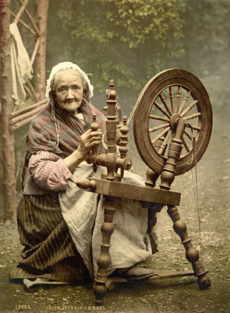 Irish spinning wheel – around 1900 Library of Congress collection