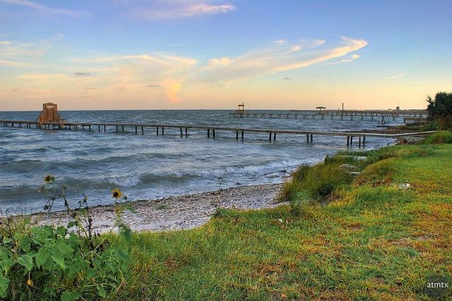 Aransas bay – Author: Andy – CC BY 2.0