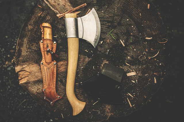 blades in the bush axe knife