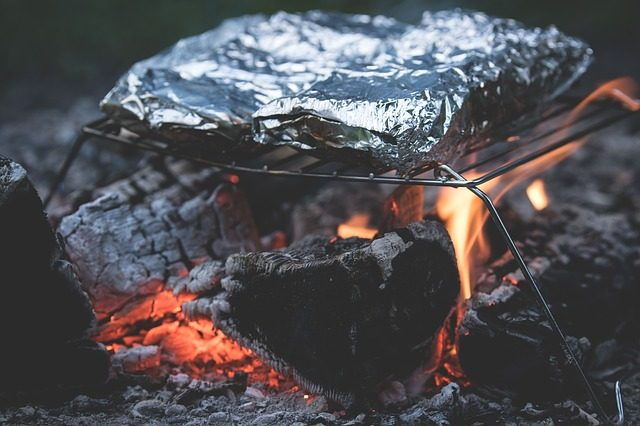 camp cooking kit aluminum foil