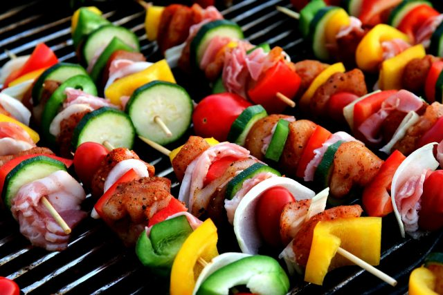 cook shish kabobs while camping