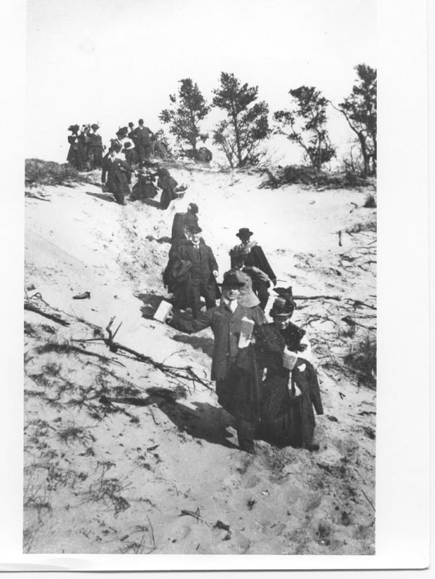 Settlers in Indiana Dunes Photo Credit