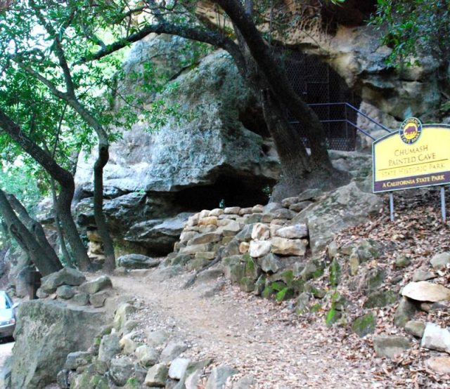 Chumash painted cave – Author: John Wiley – CC BY 3.0