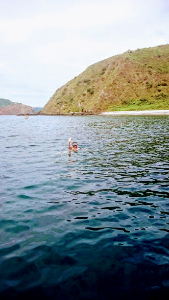 Snorkel around Salango