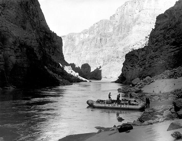 04810B Grand Canyon Nat Park: Historic River Photo - Author:  Grand Canyon National Park - CC BY 2.0