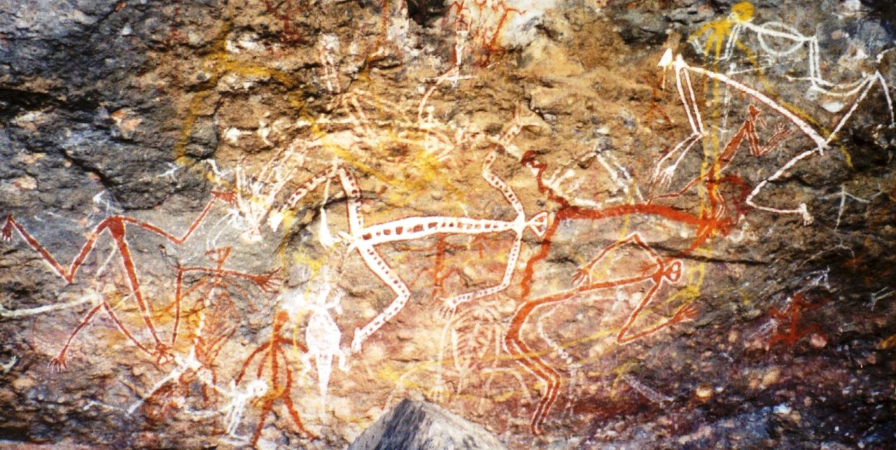 Aboriginal rock painting of Mimi spirits in the Anbangbang gallery at Nourlangie Rock - Author: Dustin M. Ramsey - CC BY-SA 2.5