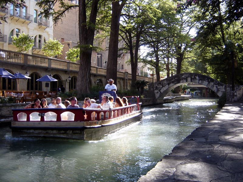 San Antonio's historic River Walk extends some 15 miles, attracting several million visitors every year - Author: Zereshk - CC BY-SA 3.0
