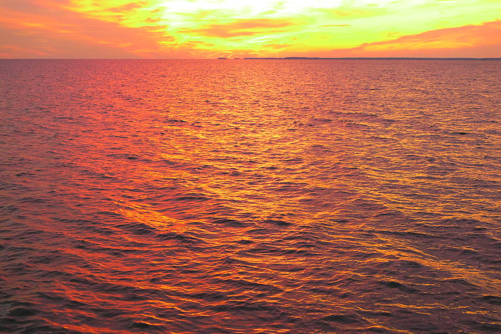 View of the Eastern Bay in Maryland at sunset - Author: Nora lives - CC BY-SA 3.0
