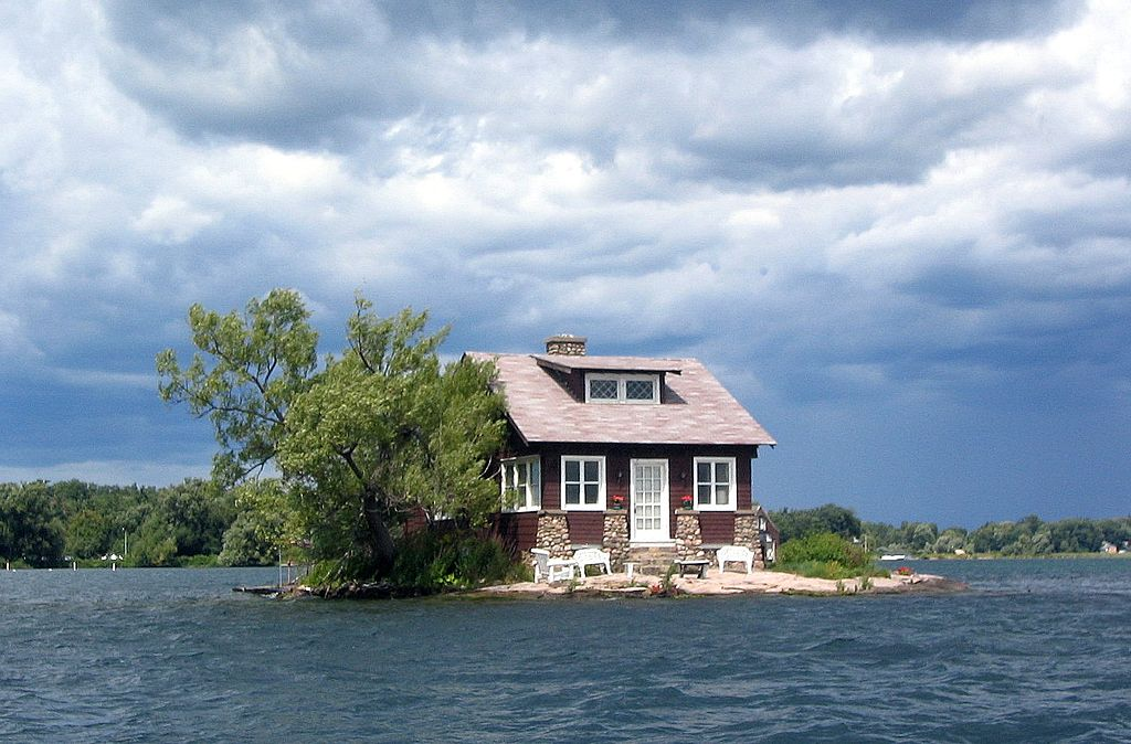 Thousand Islands single house - Author: Omegatron - CC BY-SA 3.0