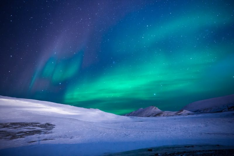 A stargazing list is no good wihtout mentioneing the Northern Lights