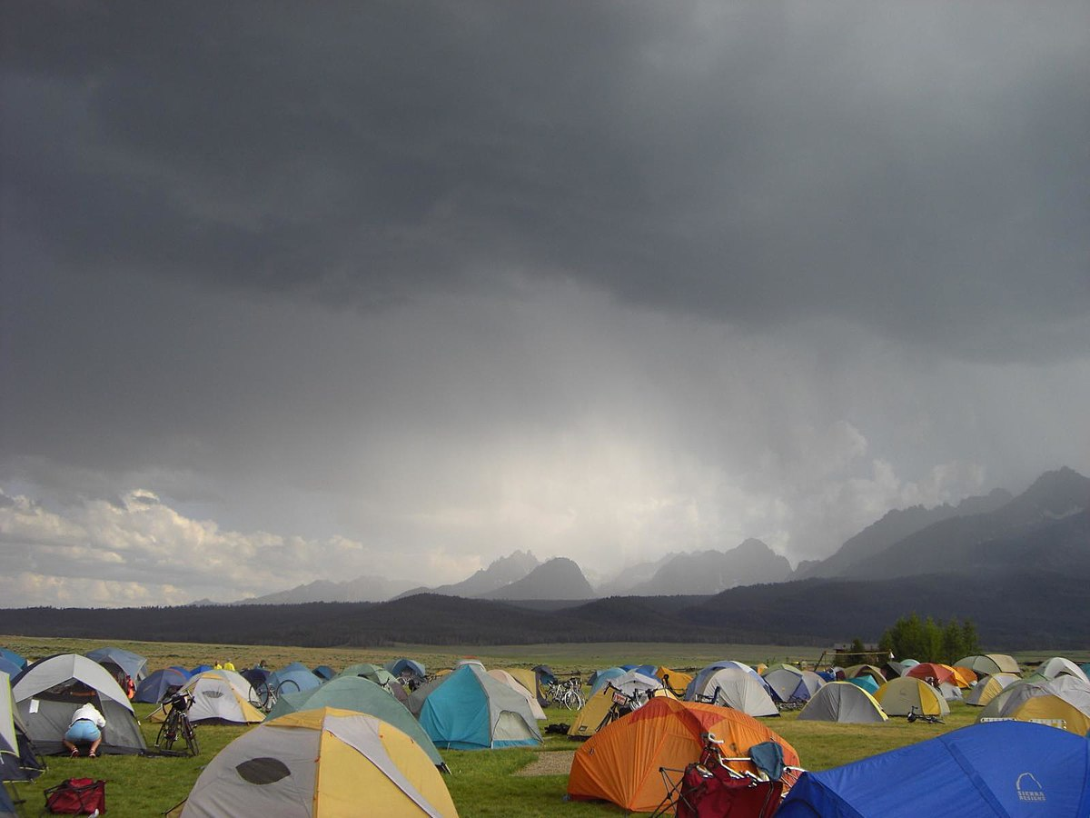 Rain over Sawtooths - Author: CorrieRosetti - CC BY-SA 2.0