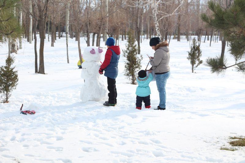 Making A Snowman Is The Best Winter Activity You Can Do With Your Kids
