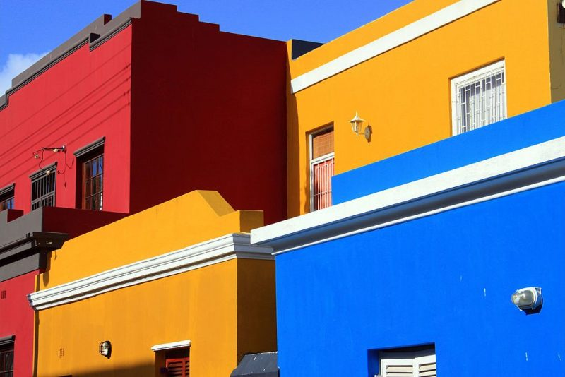 Bo-Kaap primary colors – Author: Witstinkhout – CC BY-SA 3.0