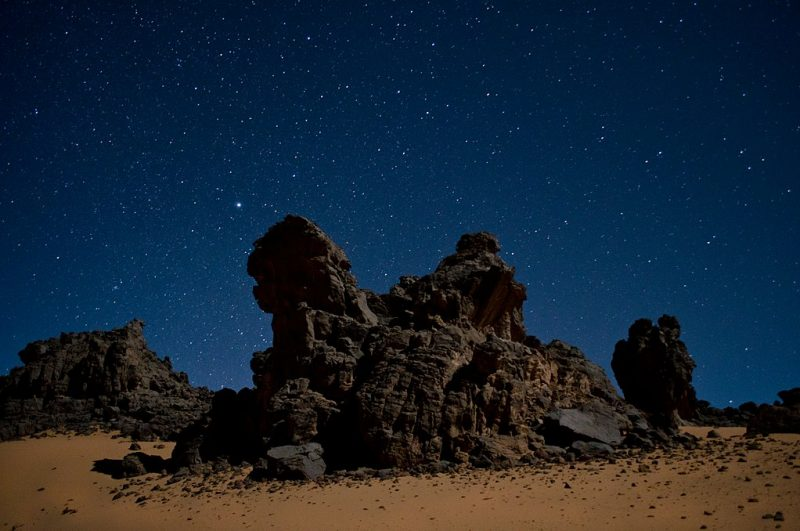 Rock towers in the Algerian Sahara. Tamanrasset, Algeria – Author: Patrick Hamilton – CC-BY 2.0