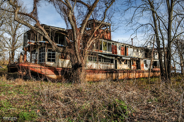 Decaying and abandoned. Author: Michael McCarthy CC BY-ND 2.0