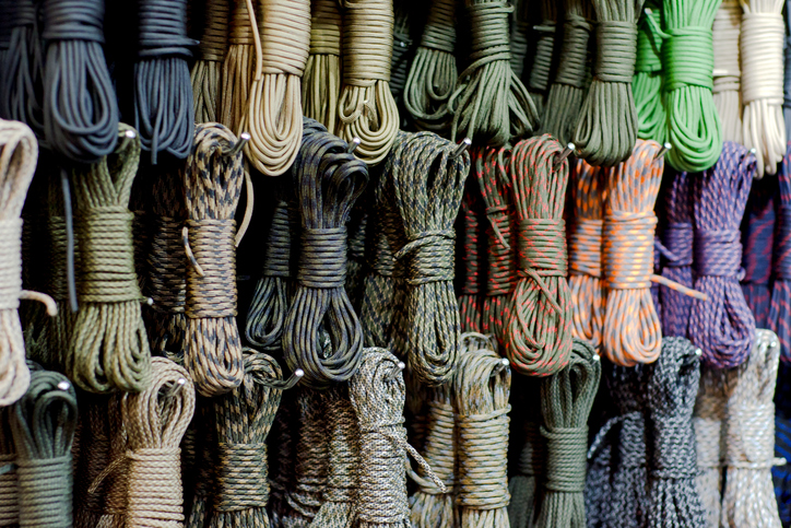 Originally paracord only came in Army olive drab color; but today, manufacturers produce a wide variety of colors to meet the growing consumer market.