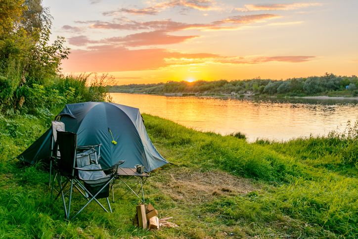 If you've set up camp and still have some time before nightfall, you have the perfect opportunity to look for food