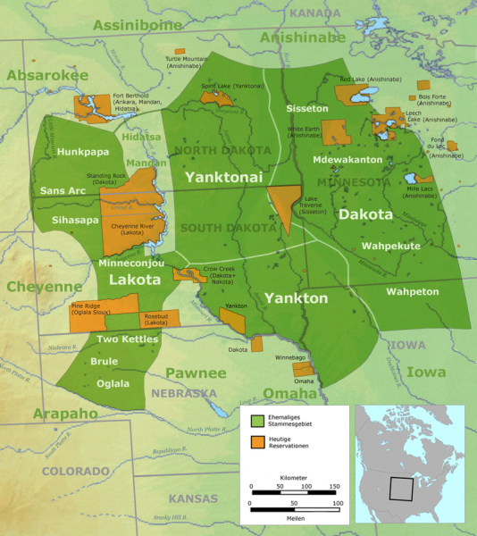 Tribal territory of the Great Sioux Nation. Legend: Green: former tribal area – yellow: todays's reservations