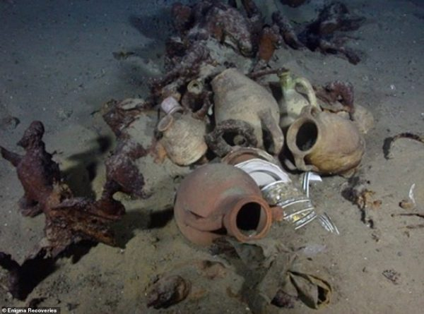 Ottoman storage jars on a trader sunk around 1830. ©Enigma Recoveries